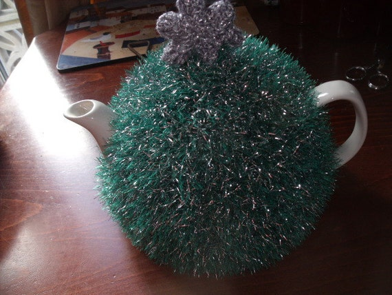 Hand knitted Christmas tree tea cosy to fit a 6-8 cup tea pot.