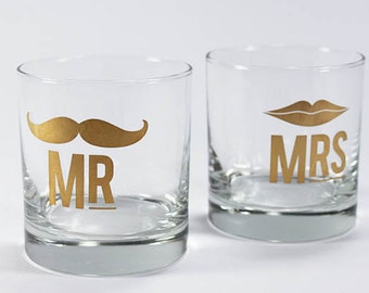 2 x Mr & Mrs  tumblers weddings engagements anniversary