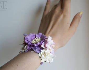Bridal bracelet, bridesmaid bracelet, floral flower bracelet, purple bracelet, wrist bridesmaid gift, violet flower wedding accessories
