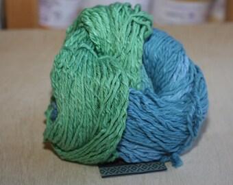 Araucania Azco Izis, color 03, lot 002    Green/Blue