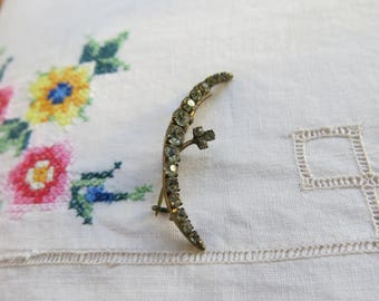 Rhinestone crescent and clover brooch