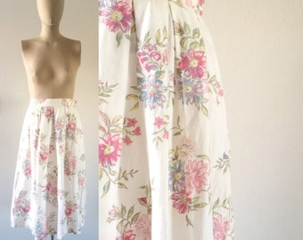 vintage 1990s skirt • white, pink, and blue • floral・FREE SHIPPING