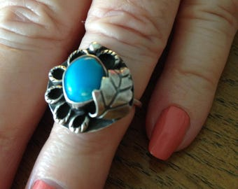 Old Pawn Turquoise Native American Silver Ring