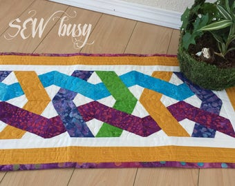 Handmade Table runner, quilted Table runner, Table deco