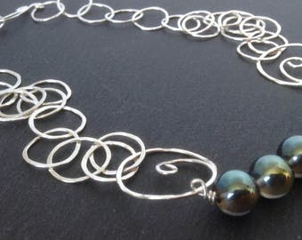 Silver circles necklace with electro quartz beads