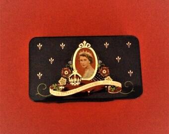 Queen Elisabeth 11 Coronation June 2nd 1953 Tin of Cadbury Chocolate for School Children for the Celebration