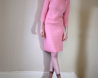 1970s baby pink boucle jumper and skirt suit twin set Size 8/10