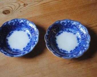 Wedgwood Atlanta Gold Scrolls - Royal Semi Porcelain - Pair of small bowls/Dishes
