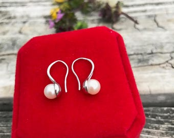 Perfectly-round Small Pearl Earrings