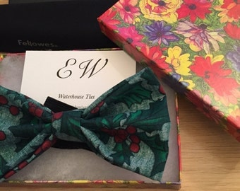 Christmas holly and berry festive elasticated bow tie