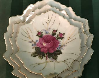Leaf Nesting Dishes with Roses