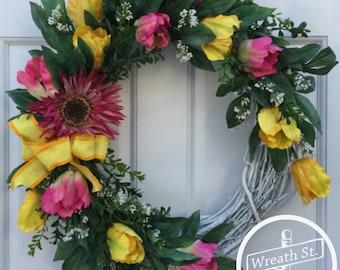 Tulip Wreath, Yellow Wreath, Pink Wreath, Wreath, Grapevine Wreath, Wreath Street Floral, Front Door Wreath, Spring Wreath