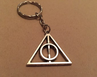 Deathly hallows keyring symbol Harry Potter