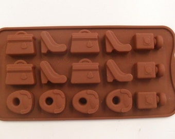 Different shapes for 15 Pieces new girls silicone chocolate mold