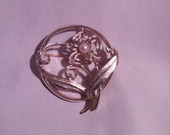 Sarah Coventry Vintage Floral Brooch FREE SHIPPING