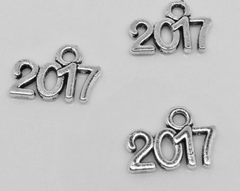 BULK 10 Pcs 2017 Charms Antique Silver Tone New Year Graduation New Baby Charm Birth Year Baby Shower