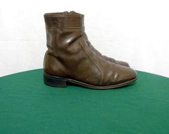 Sz 8.5 Vintage Chocalate Brown leather Dexter Men Zip up Ankle boots from the 70s.