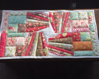 Table runner, quilted, patchwork...Vitality