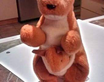 "Rare Ty 1996 ""Pouch"" The Kangaroo Beanie Babie Retired"