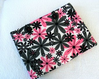 "Laptop Case, Laptop Cover, 13 Inch Laptop Case, 14 Inch Laptop Cover, Large Laptop Case, Black and Pink Daisy Print,  10 3/4"" x 14 3/4"""