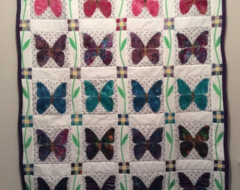 Beautiful butterfly appliqué quilt