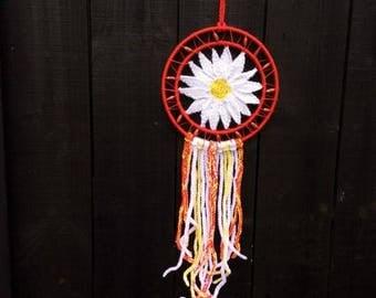 Daisy dreamcatcher, dream catcher, personalised, customised, wall hanging, flower, original, knitted, crochet, suncatcher
