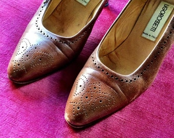 Ugo Rosetti, made in Italy. Light brown pumps