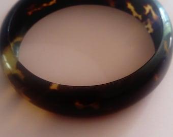 Brown vintage bracelet. Bakelite or plastic. 60s/70s