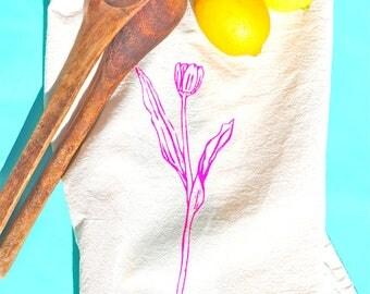 Spring Kitchen Towel; Tulip Dish Towel; Mother's Day gift; Flour sack tea towel; Spring tea towel; Easter Flour sack towel by Turquoisebike