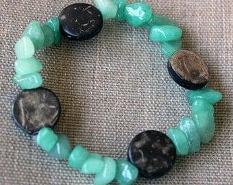 Bracelet Sea Foam Green Pebbles with Brown Stones