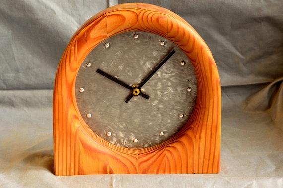 clock 104