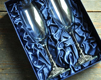 vintage wedding champagne flutes, champagne glasses with metal grape decor, wedding gift, couple gift