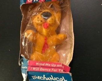 1966 Vintage Animated Toys Mechanical Dancing Animal Lion Wind Up