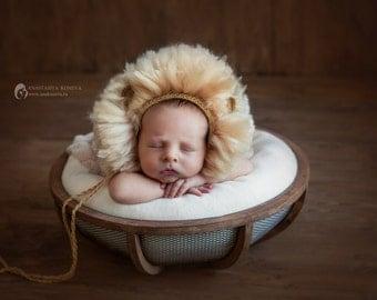 Lion Cap newborn photo shoot
