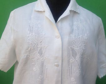 80s vintage Antique white cotton Blouse/top///embroidered blouse//Vintage blouse//embroidered shirts//embroidered cotton blouse