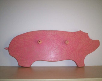 Piggy wood coat rack