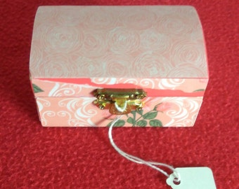 Rosey ll Decorative Mini Chest