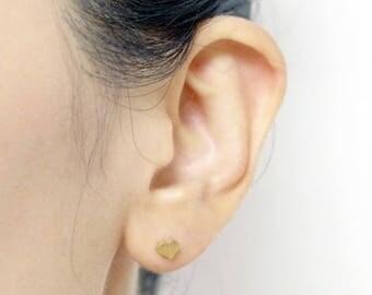 Small heart minimalist earring, heart earrings S071 - plated 18K Gold / 60% off