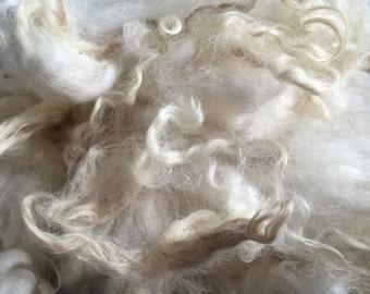 5oz Washed white Romney fleece
