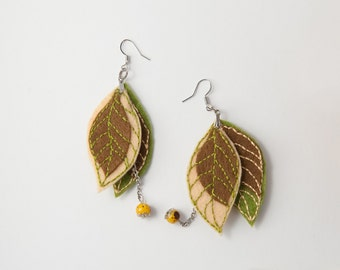 felt earrinngs, felted leaves earrinngs, dangle earrinngs, green brown earrinngs
