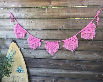 Bubble gum pink macrame pennant banner with fringe/wall hanging/ bunting banner/ macrame garland