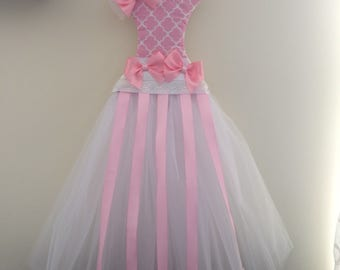 Pink and white tulle dress bow holder