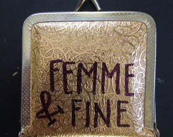 Vintage Gold Compact Mirror with Pink Interior-Femme Gifts, LGBTQ Gifts, LGBTQ Accessories-Shiny Gold Compact