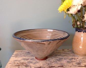 Deep ridged bowl