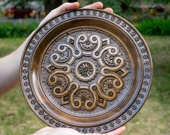 Decorative wooden plate with ornaments, Hand Carved Plate, Ornament Decoration For Home, Eco Dishes, Eco friendly wooden plate, wooden decor