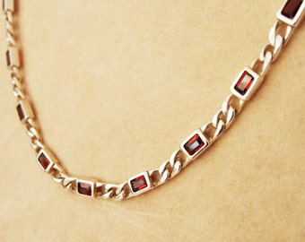 Figaro link 925 silver chain and garnet
