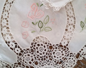 Vintage French tablecloth with 10 napkins