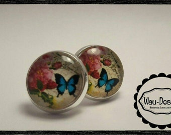 Handmade earrings with cabochon
