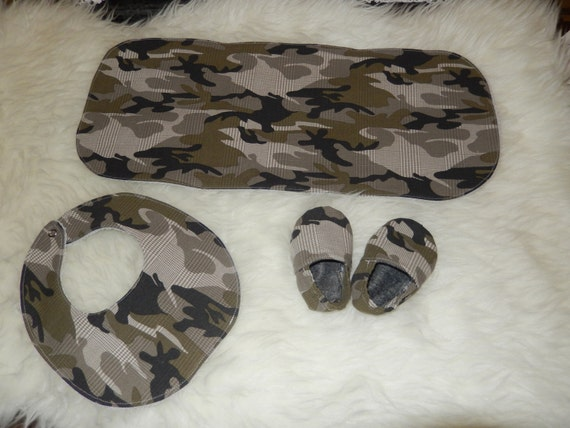 Baby gift set, baby bib, burp cloth, shoes, military, ready to send, baby shower
