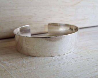 Sterling silver cuff bracelet. Free delivery in the UK. Hand made in Scotland.